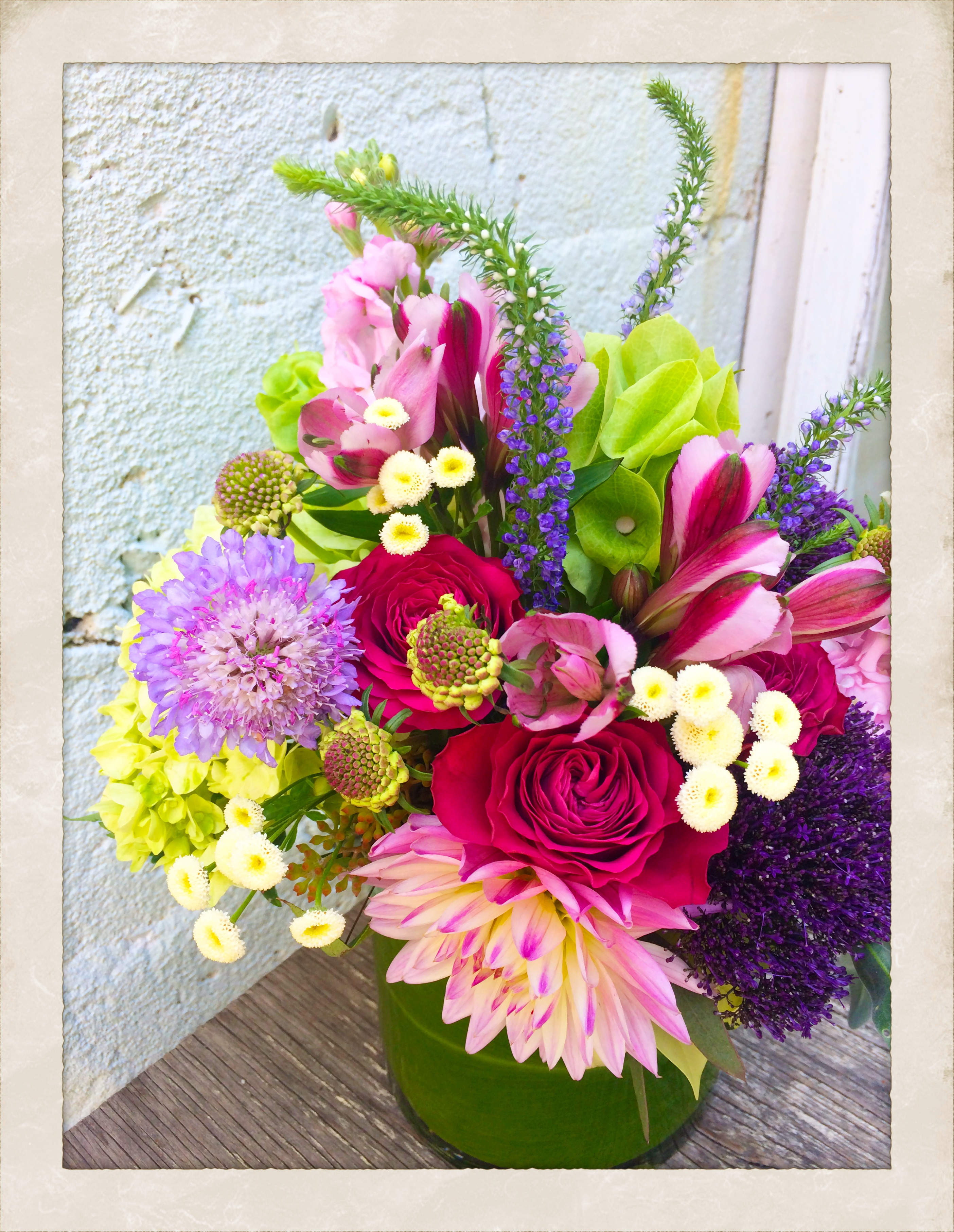 Florabella florist san diego flower shop san diego flower florabella is a full service flower shop serving all of san diego county with fresh daily floral delivery and weekly floral services for over 25 years izmirmasajfo